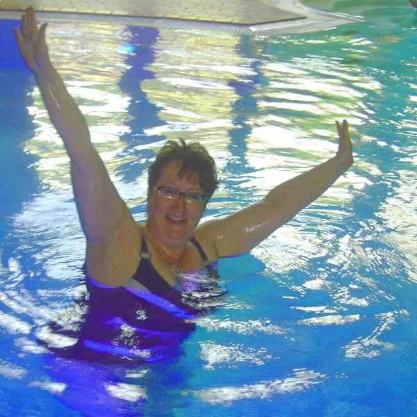 005 aqua fitness